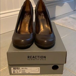 Women's Kenneth Cole reaction wedge size 8.5 NIB